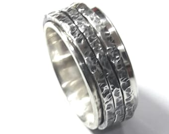925 silver ring with 3 spinner rings of hammered silver; with personalized text.