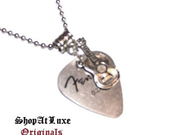 FENDER Steel Guitar Pick Necklace with New Style of Acoustic Guitar Dangle