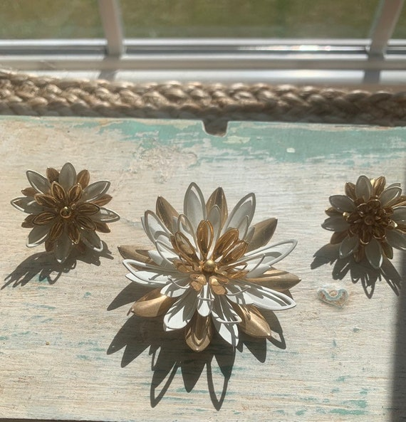 Sarah Coventry Brooch + Earring Set - image 1