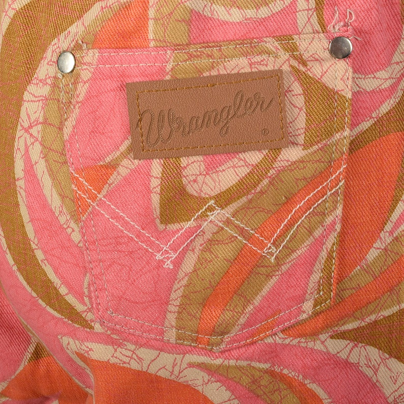 Small Wrangler Pink and Orange Abstract Print Jeans Bell Bottoms Front Zip Vintage 1970s Boho Hippie Bohemian Bellbottoms