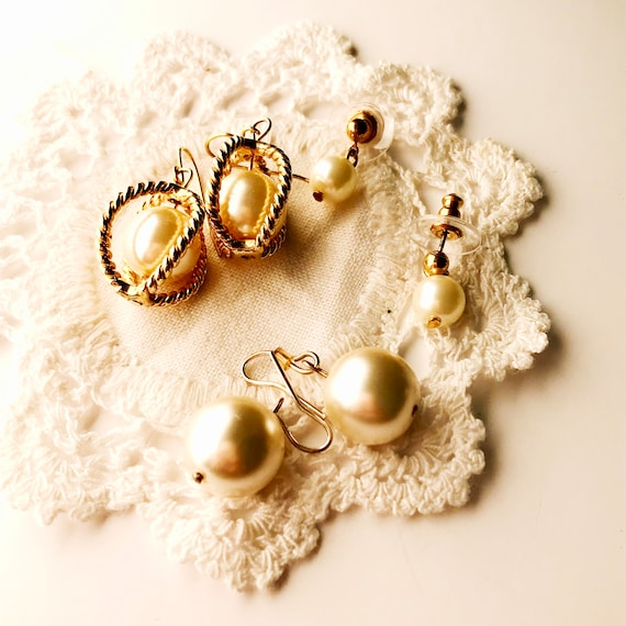 Instant Collection of Three Fabulous Pairs of Vintage Screw Back Earrings The Set includes: Faux Peach Pearl Cluster Clear Rhinestones 3