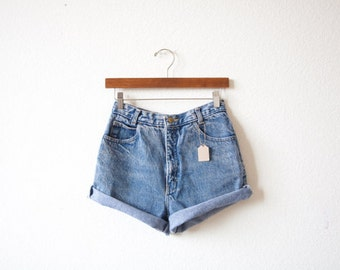 Solid High waisted denim shorts