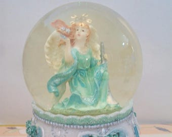 Green Angel Musical Snow Globe Dome Horn Stars Romantic Home Decor
