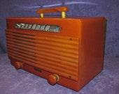 Working Garod Catalan Bakelite Radio Commander 6AU-1 Vintage Art Deco 1940ss Butterscotch Handle Collectable Carmel Good Tubes light