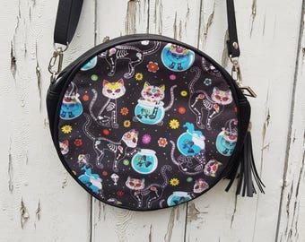 Skeleton Candy Skull Cat Round Handbag - Skull Halloween Kitten Bag Clutch