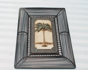 umbrella sand palm tree etc sailboat crab Very cute 7.75x 5.75 3D Resin 4x6 Photo Picture Frame with seashells beach chair