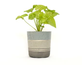 Small Concrete Cylinder Pot Dark/Light Grey with Silver Stripes