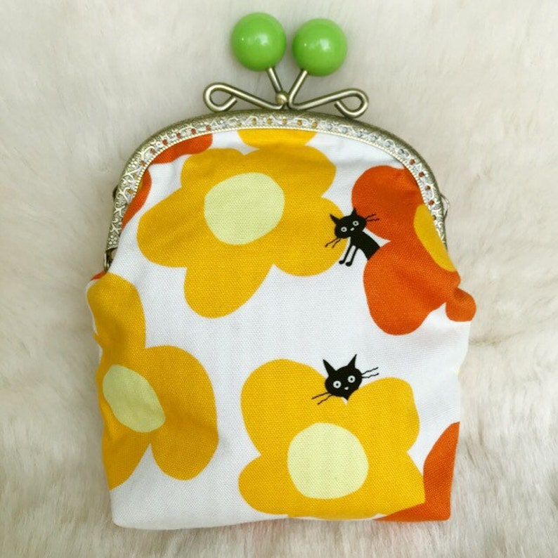 Ball pouch image 0