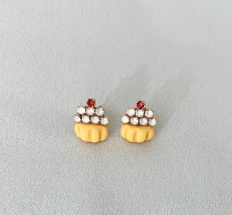 Cupcake earrings image 0
