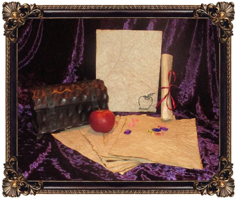 Snow White Paper  Fairytale Poisoned Apple Paper  10 Sheets image 0