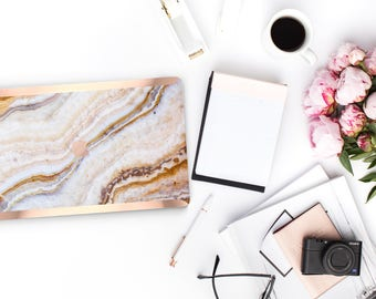 Minimal Pina Onyx Marble . Distinctive Macbook Hard Case and Bold Rose Gold Accents . Macbook Pro 13 Case . Custom Monogram