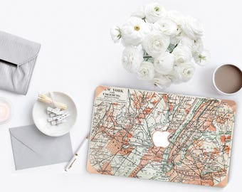 New York Manhattan Map      . Distinctive Macbook Hard Case and Bold Rose Gold Accents . Macbook Pro 13 Case . Custom Monogram