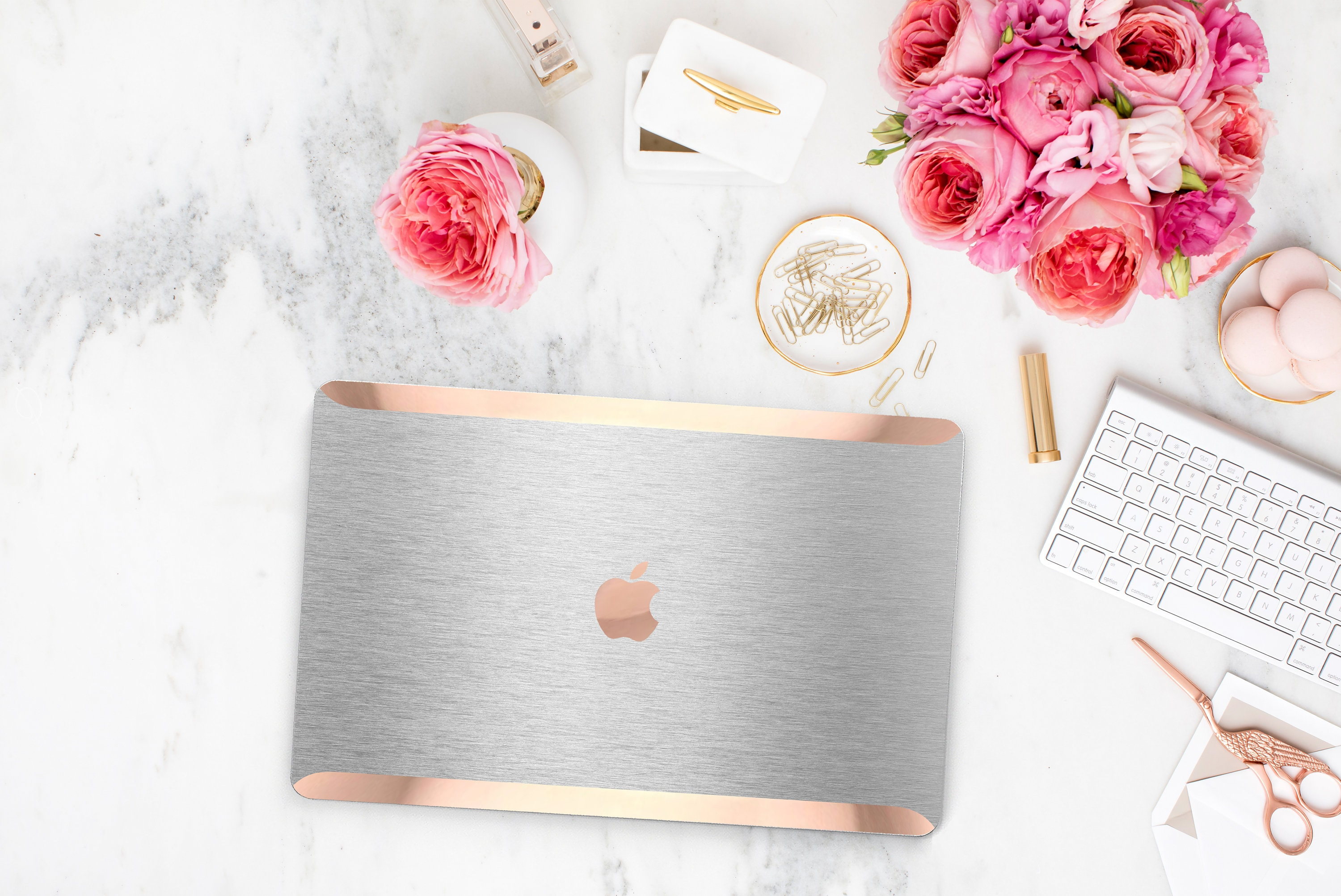 timeless design 6ac0a a7fcb Stylish Brushed Aluminum . Distinctive Macbook Hard Case and Bold ...