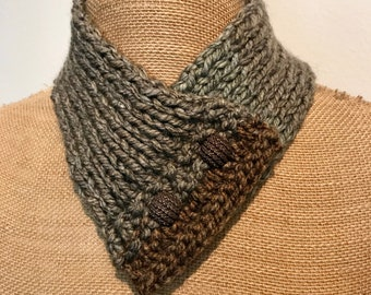 Hand Knitted Buttoned Neck Warmer in Caron Teacakes English Breakfast  Item# KNW311181