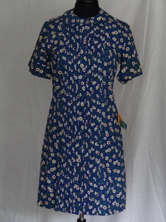 1950s 60s Dress / Blue Calico Shirtdress Novelty P