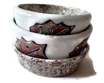 Fall ceramic bowl set, set of 3 bowls, falling leaves mixing bowl, nesting bowl, handmade pottery, Fall home decor, decorative autumn bowls