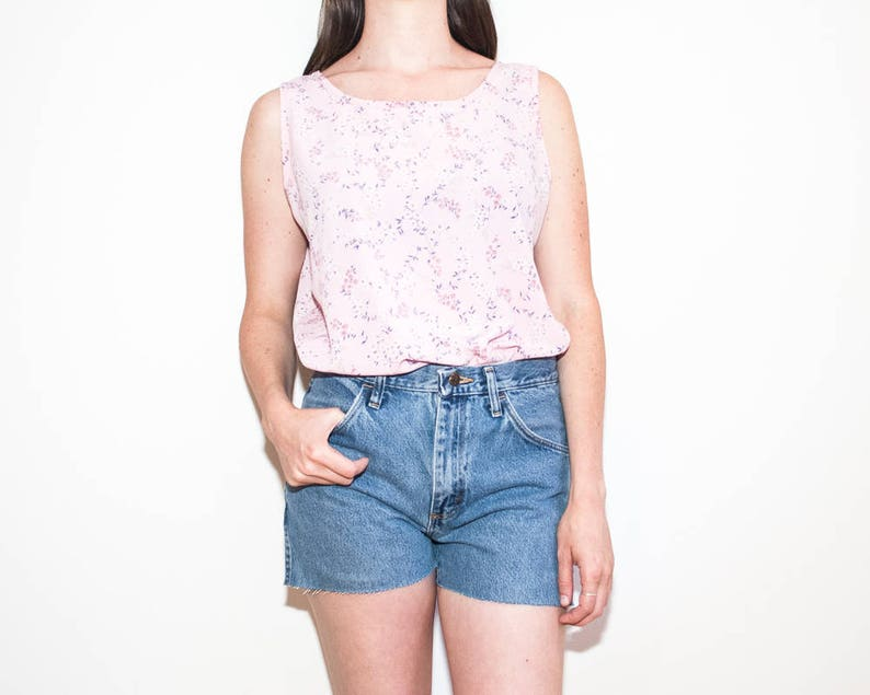 ec1a7cfa62cf4 On sale 90s pink floral silky tank top   loose sleeveless