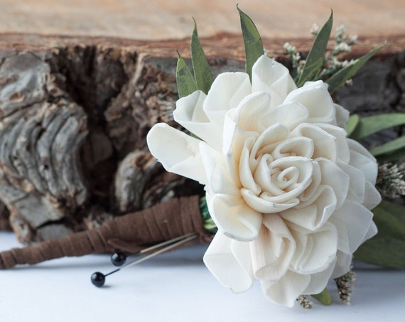 Dahlia Pin On Boutonniere - Ivory Dahlia Boutonniere - Wood sola flower boutonniere