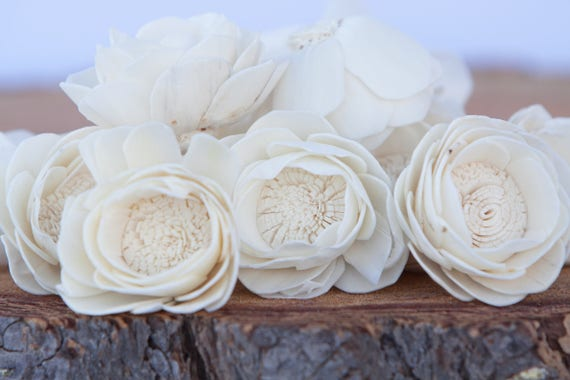 Camellia Sola Flowers- SET OF 10 , Sola Flowers, Wood Sola Flowers, Camelia Sola, Balsa Wood Flowers, Wedding DIY, Flowers for Crafting
