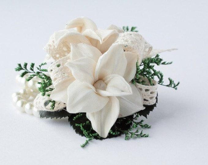 Star Magnolia Wristlet Corsage - Keepsake Wrist Corsage - Prom Corsage - Homecoming Corsage - Corsage - Wedding Corsage -sola flower corsage