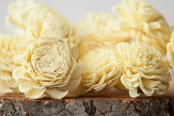 Pale Yellow Chorki Sola Flowers - SET OF 10 , Buttercream Chorki, Sola, Wood Sola Flowers, Chorki Sola, Balsa Wood Flowers, Wedding DIY