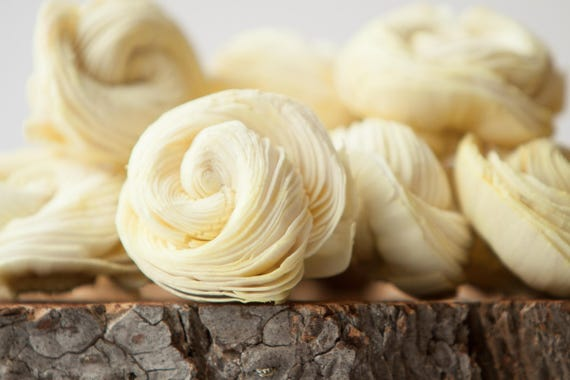 Pale Yellow Sola Shell Flowers - SET OF 10 , Pale Yellow Sola Flowers, Wood Sola Flowers, Balsa Wood Flowers, Wedding DIY, Craft Flowers
