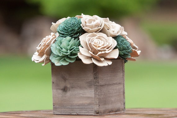 Green Square Keepsake Sola Flower Arrangement