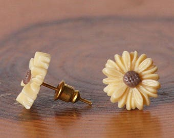 Daisy Stud Earrings, Daisy Earrings, Floral Earrings, Flower Earrings, Daisy Lovers, Flowers Lovers, Gift For Mom, Mothers Gift, Sister, BFF