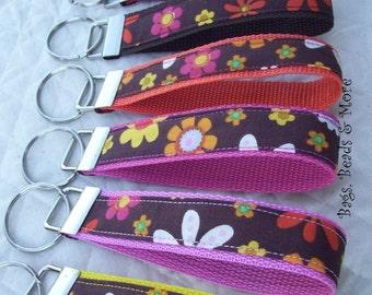 Colorful Floral Keychain, Key Wristlet, floral keyfob, colorful keychain