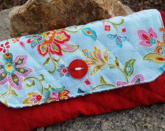 Quilted Ladies Wallet, Floral checkbook holder, Ladies Billfold, Quilted Wallet