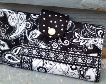 Black and White Quilted Checkbook Cover, Coupon Holder, Fabric Checkbook