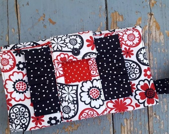 Red and Black Clutch, Wristlet with Hearts, Red Clutch, Red Black Clutch, Heart Clutch, Valentine Clutch