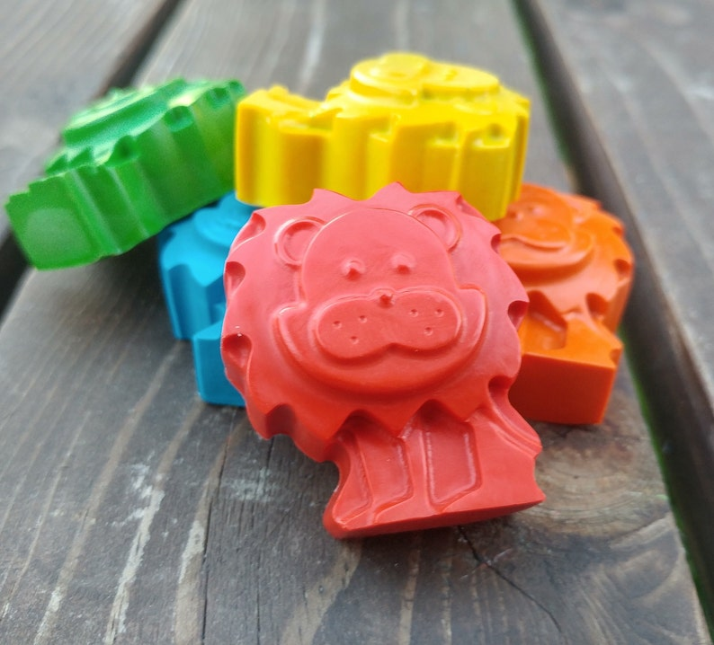 Zoo Crayons Zoo Party Favors Kids Gifts Lion Crayons set of 20 Lion Party Favors Lion Party Kids Party Favors Zoo Party