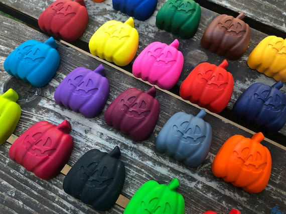 Pumpkin Shaped Crayons-Autumn Fall Crayons-Halloween Party Favours Favors-Kids Children Birthday Party Favours Favors-Stocking Stuffers
