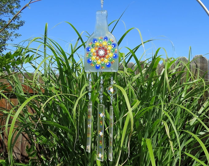 This wind chime has a little rainbow dotting action!  It will make the sweetest sound with just the slightest breeze.