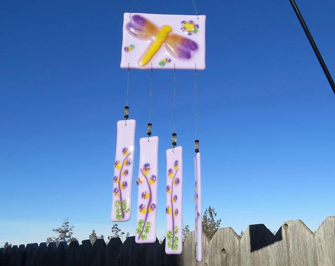 This beautiful wind chime will add color to any area of your yard or patio.  It makes the sweetest sound with just the slightest breeze.