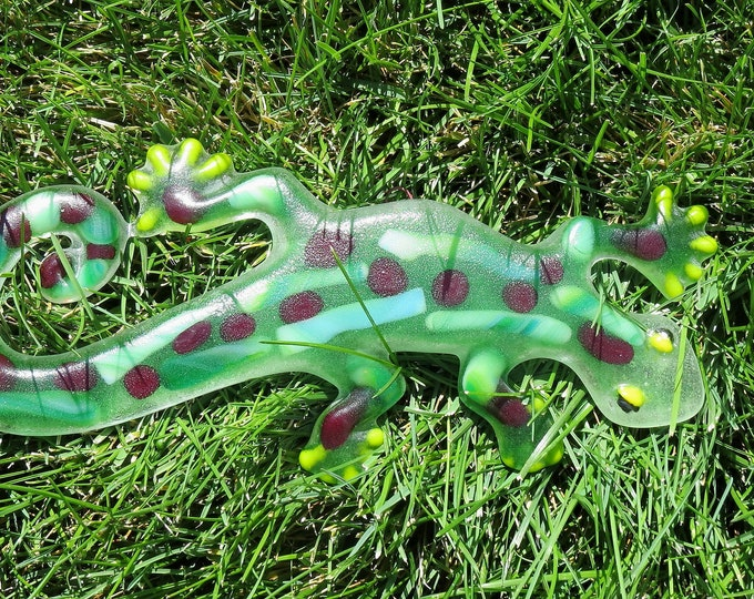 Awesome Gecko's will look great on your wall or a fence.  Hang them anywhere