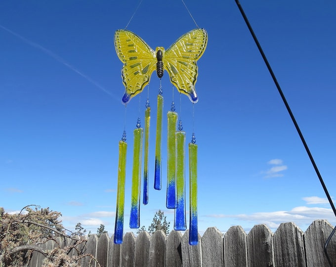 This beautiful Butterfly wind chime will add color to any area of your yard or patio.  It makes the sweetest sound