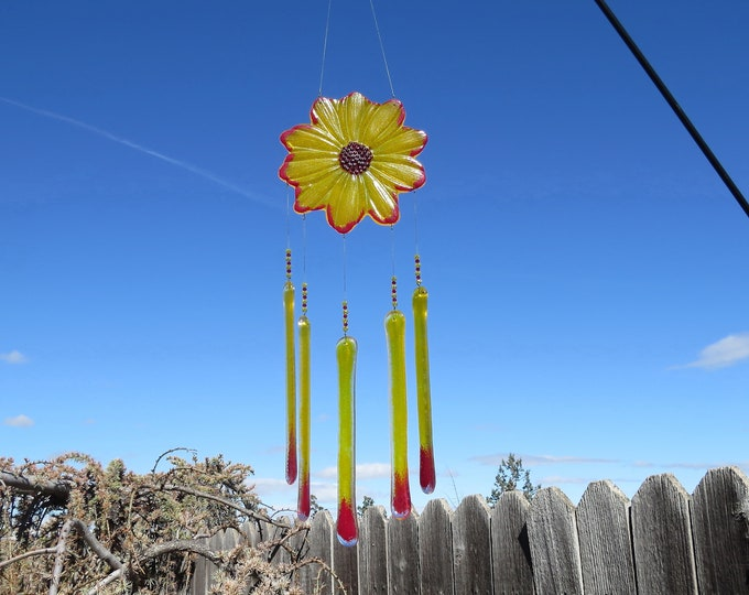 This Daisy flower wind chime will add that something special to your patio or yard