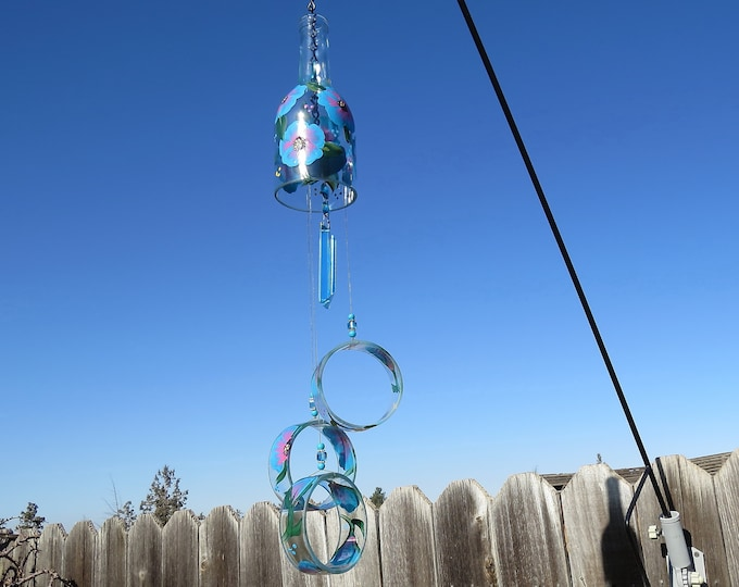 Wine bottle windchime, Clear wind chime, Turquoise and Pink flowers, yard art, patio decor,  recycled bottle wind chime, hand painted