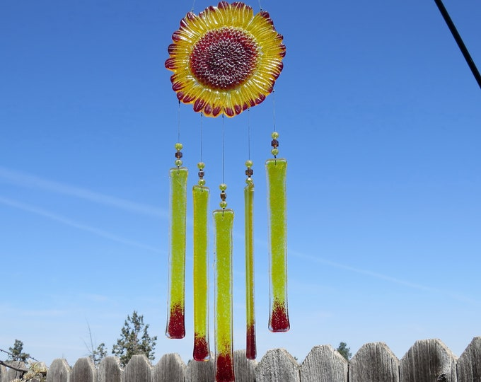 This wonderful sunflower wind chime will add that something special to your patio or yard