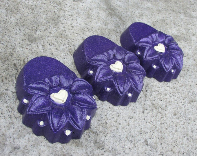 Purple Flower concrete planter feet with Ivory heart, patio decor, Yard art