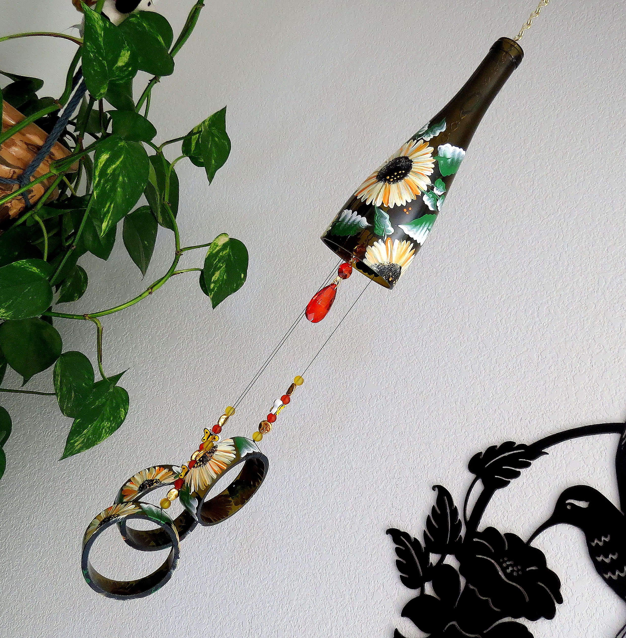 Attractive Wine Bottle Windchime, Brown Glass Wind Chime, Colorful Daisies, Yard Art,  Patio Decor, Recycled Bottle Wind Chime, Hand Painted Windchime