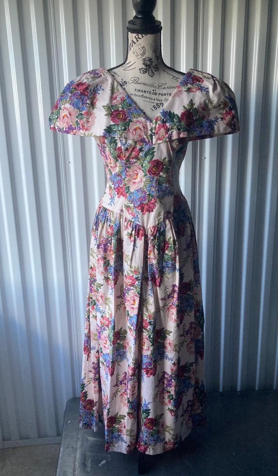 Sweet Floral 1980s Dress