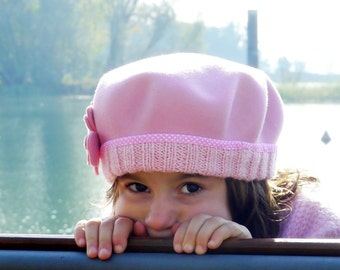 Baby girl beret hat, little girls french beret, toddler winter hat with flower, classic french beret, pink baby beret hat, little girls hats