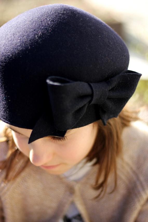 Sconto speciale seleziona per genuino dove comprare Cappello invernale bimba, cappello con fiocco, cappello blu navy feltro