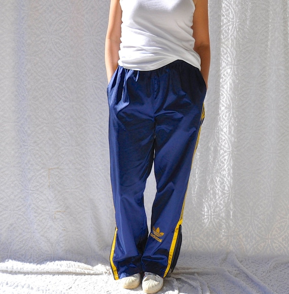 Vintage Adidas Pants || 90s Adidas Track Pants. Retro Hip Hop Style Warm Ups. High Waist Adidas Training Pants w. Zipper Leg || Mens Medium