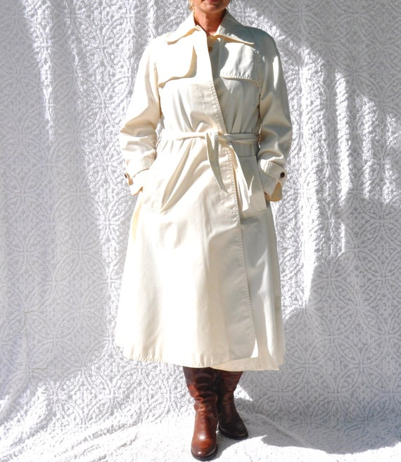 Vintage White Trench Coat || 1970s Jacket Long Rai