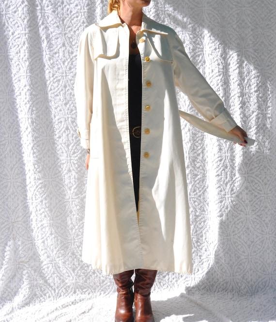 Vintage White Trench Coat    1970s Jacket Long Ra… - image 3