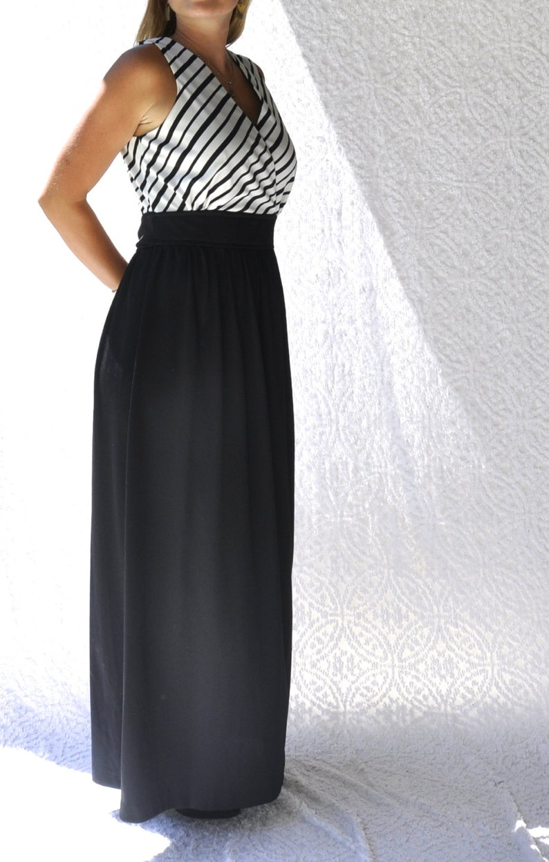 36406d20711 Vintage 70s Dress Black   White Maxi Dress. Retro 70s
